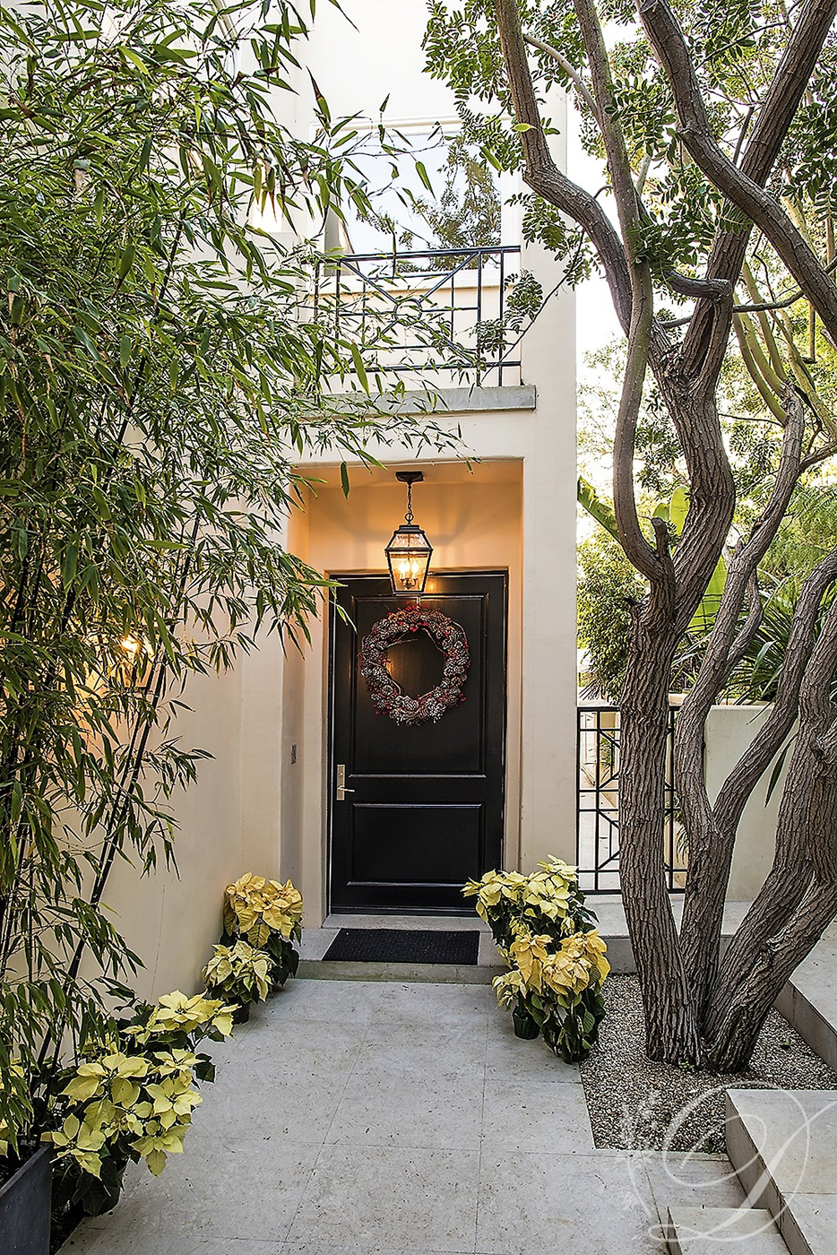 002_Exterior_Beverly-HIlls-Contemporary-Entry