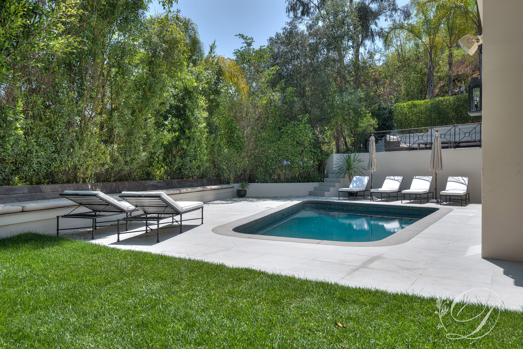 006_Exterior_Beverly-Hills-Pool-